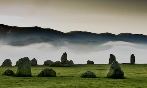 Circle of stones 500 x 300